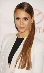 jessica-alba-hairstyle-braided-side-ponytail-front