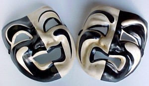 gold-theatre-masks-comedy-tragedy-5